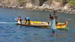 ... aber es gibt auch noch traditonelle Fischer