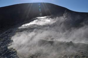 am Kraterrand von Vulcano